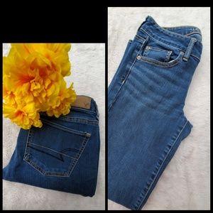 American Eagle sz 4 stretch straight leg jeans